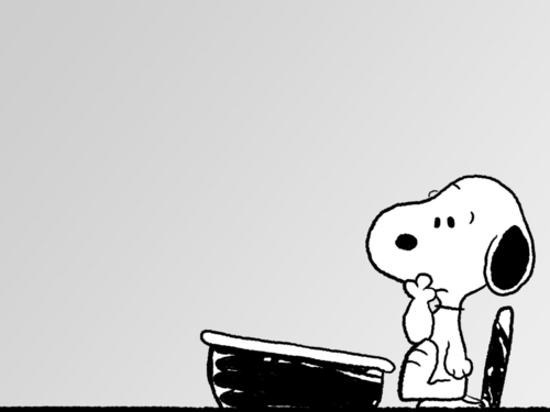 Peanuts wallpaper entitled Snoopy at desk