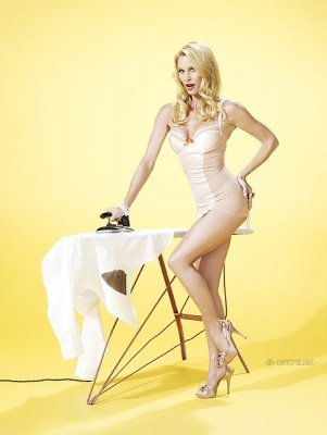 Отчаянные домохозяйки Обои possibly with a leotard titled TVGuide Outtakes (Nicolette Sheridan)