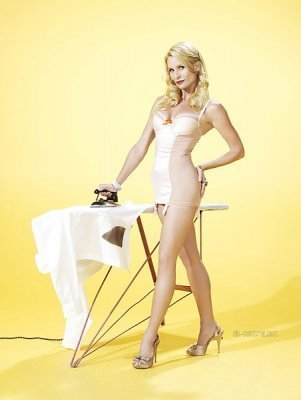 Desperate Housewives images TVGuide Outtakes (Nicolette Sheridan) wallpaper and background photos