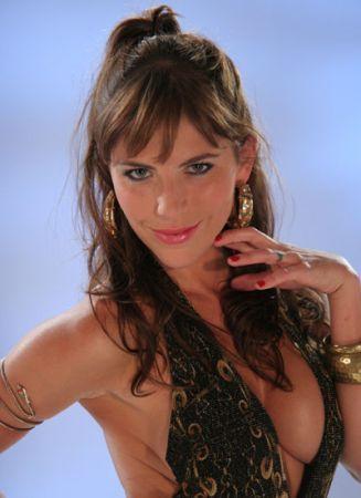 http://images2.fanpop.com/images/photos/3000000/Yessica-sin-senos-no-hay-paraiso-3035893-327-450.jpg