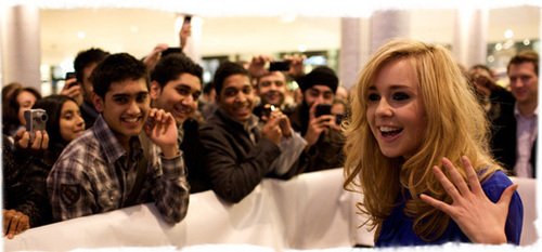 Diana Vickers দেওয়ালপত্র with a portrait called diana