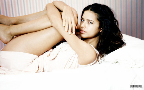 Victoria's Secret wallpaper containing skin entitled Adriana Lima