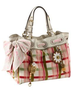 Handbags Hintergrund with a shoulder bag and an evening bag entitled Bags