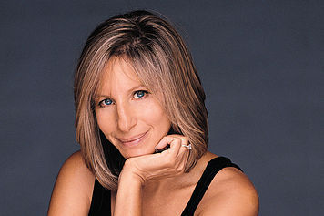 Barbra Streisand hình nền probably with attractiveness, a portrait, and skin titled Barbra