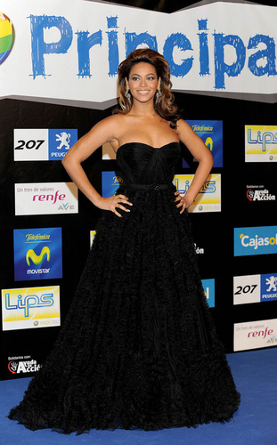 Beyoncé at the 2008 Los 40 Principales awards