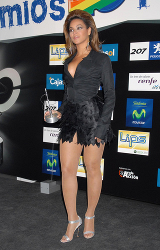 beyonce at the 2008 Los 40 Principales awards