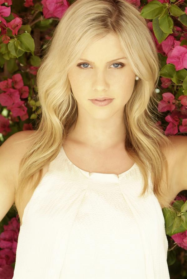 http://images2.fanpop.com/images/photos/3100000/Claire-Holt-claire-holt-3108726-600-896.jpg