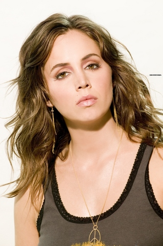 Buffy the Vampire Slayer wallpaper containing a portrait called Eliza Dushku
