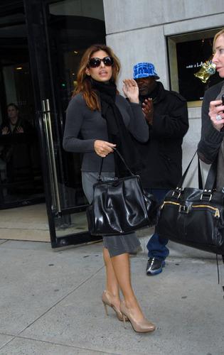 Eva on NYC shopping spree