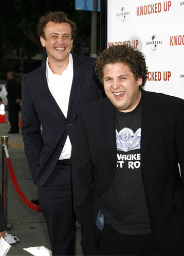 Jason Segel wallpaper containing a business suit and a suit called Jason