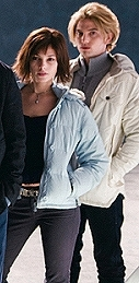 parejas de películas fondo de pantalla probably containing a business suit, a well dressed person, and a hip boot entitled Jasper*Alice