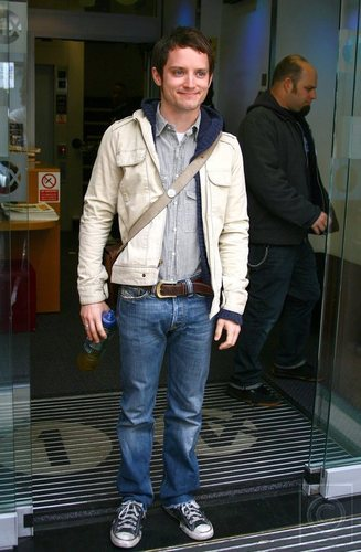 Outside BBC Radio 1 2008