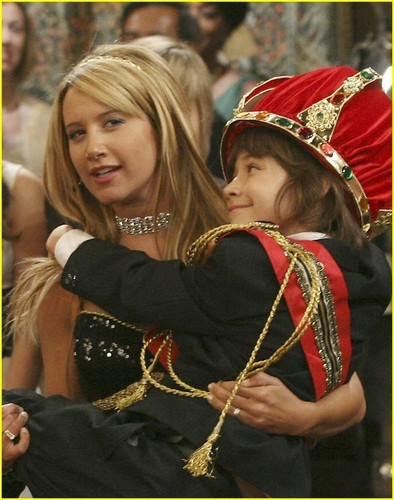 The Suite Life on Deck The-Suite-Life-on-Deck-ashley-tisdale-3188264-394-500