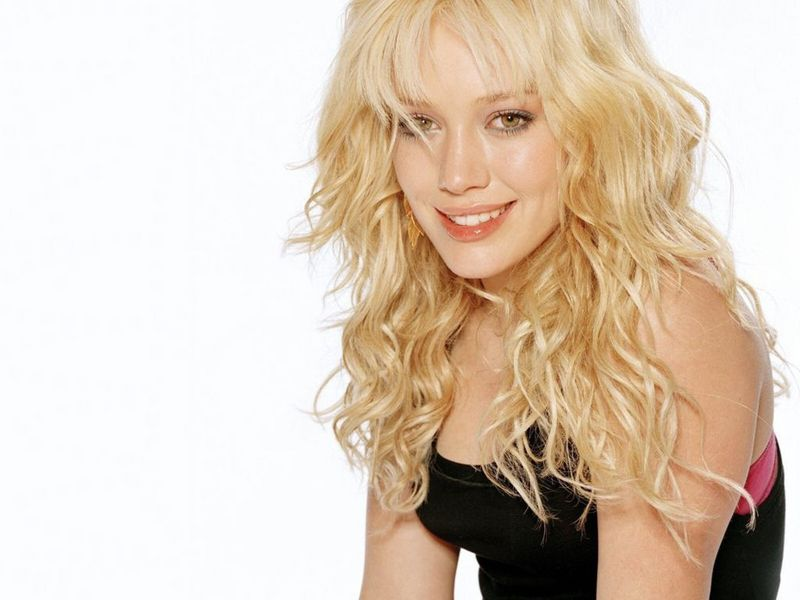 beauty - Hilary Duff Wallpaper (3165961) - Fanpop