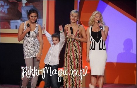 phoebe, claire and cariba present at the nick awards
