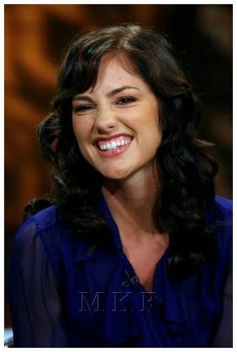 02-06-08: Minka Kelly Visits CW11 Morning tunjuk