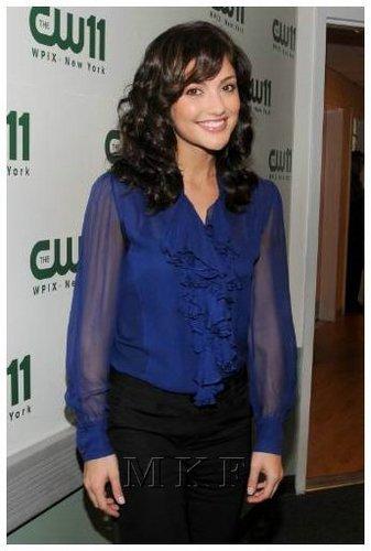 02-06-08: Minka Kelly Visits CW11 Morning tampil