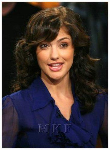 02-06-08: Minka Kelly Visits CW11 Morning ipakita