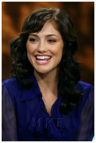 02-06-08: Minka Kelly Visits CW11 Morning onyesha