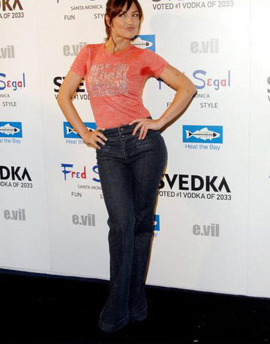 04-22-08: SVEDKA's e.vil T-Shirt Launch to Benefit Heal the baia
