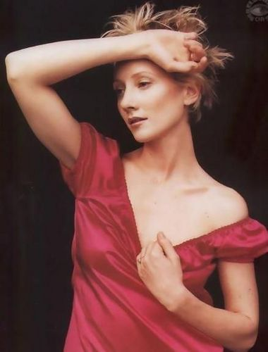 Anne Heche wallpaper probably with a cocktail dress, attractiveness, and a dinner dress called Anne