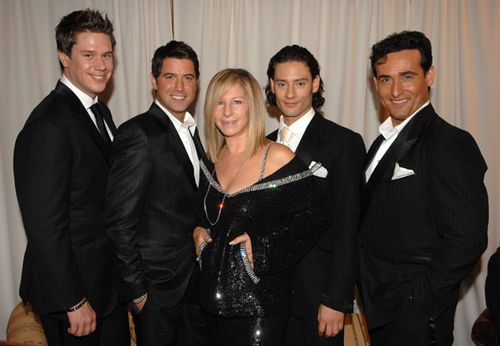 Barbra Streisand hình nền containing a business suit called Barbra&Il Divo~ In buổi hòa nhạc