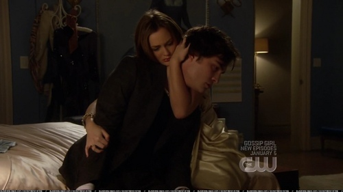 Blair & Chuck wallpaper possibly containing a living room, a drawing room, and a family room called Chair 2x13 HQ