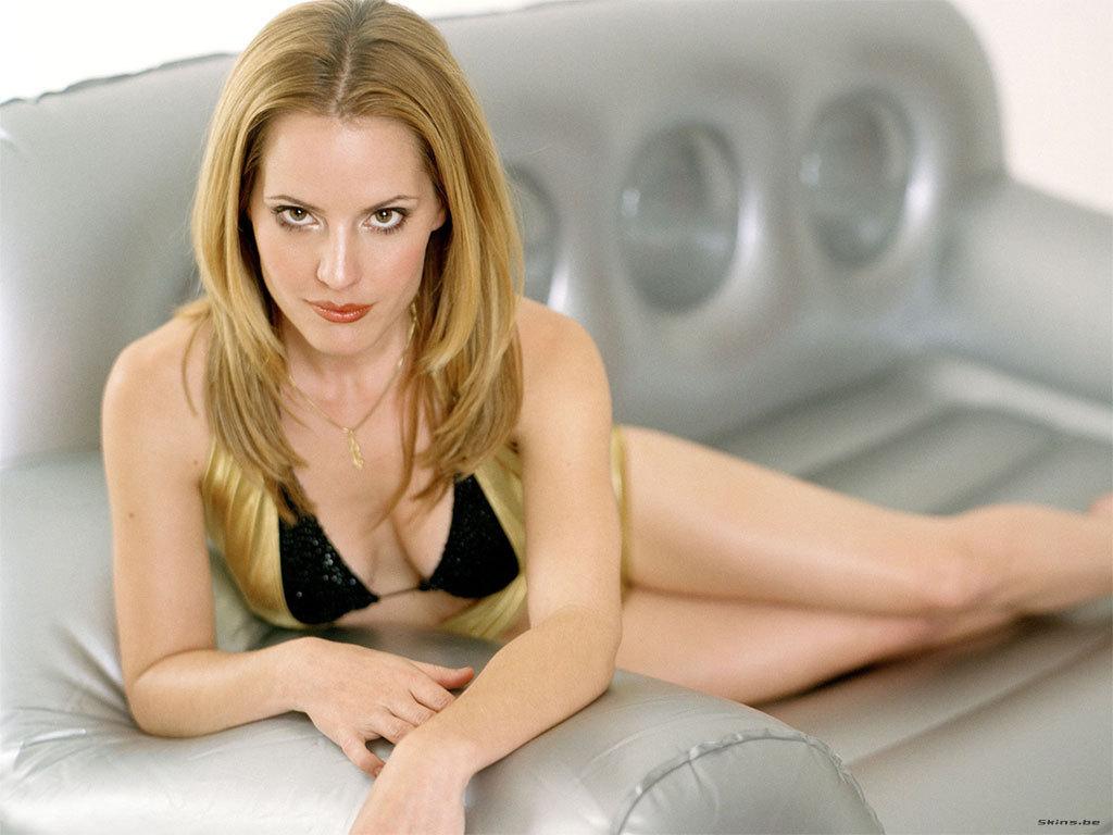 Banks nude naked elizabeth