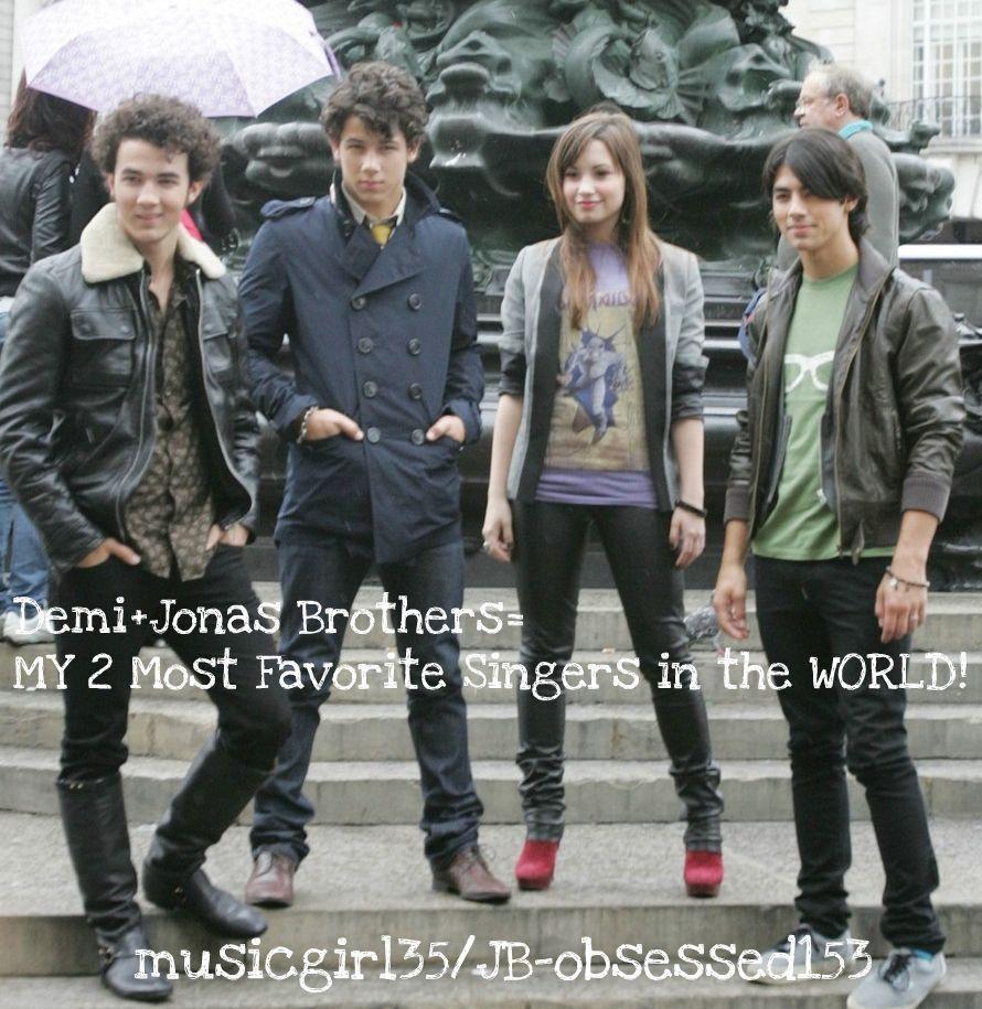 Jonas brothers and demi!!