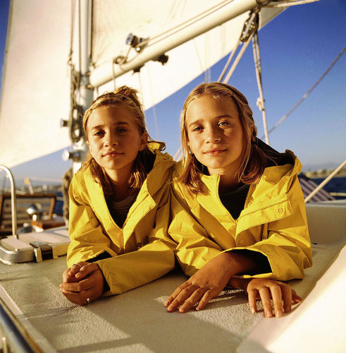 Stars' Childhood Pictures Images Olsen Twins HD Wallpaper