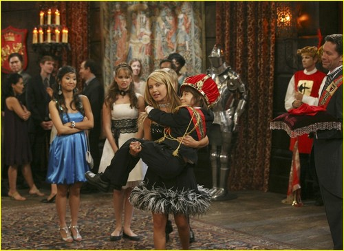 The Suite Life on Deck The-Suite-Life-on-Deck-Still-vanessa-hudgens-and-ashley-tisdale-3285540-500-365