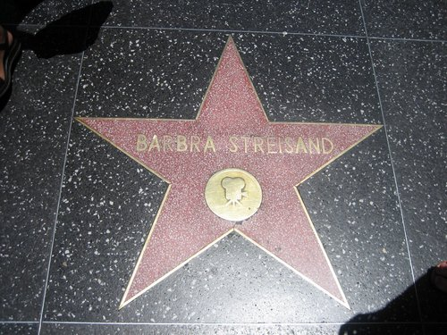 Barbra Streisand hình nền probably containing a sign called Walk of Fame