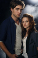twilight - robert-pattinson-and-kristen-stewart photo