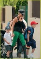 victoria beckham with her kids