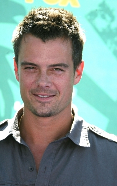 2008 Teen Choice Awards - Arrivals - josh-duhamel photo