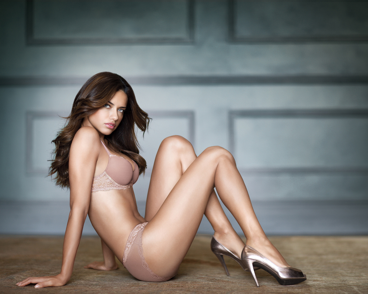 Adriana F Lima Victoria S Secret Wallpaper