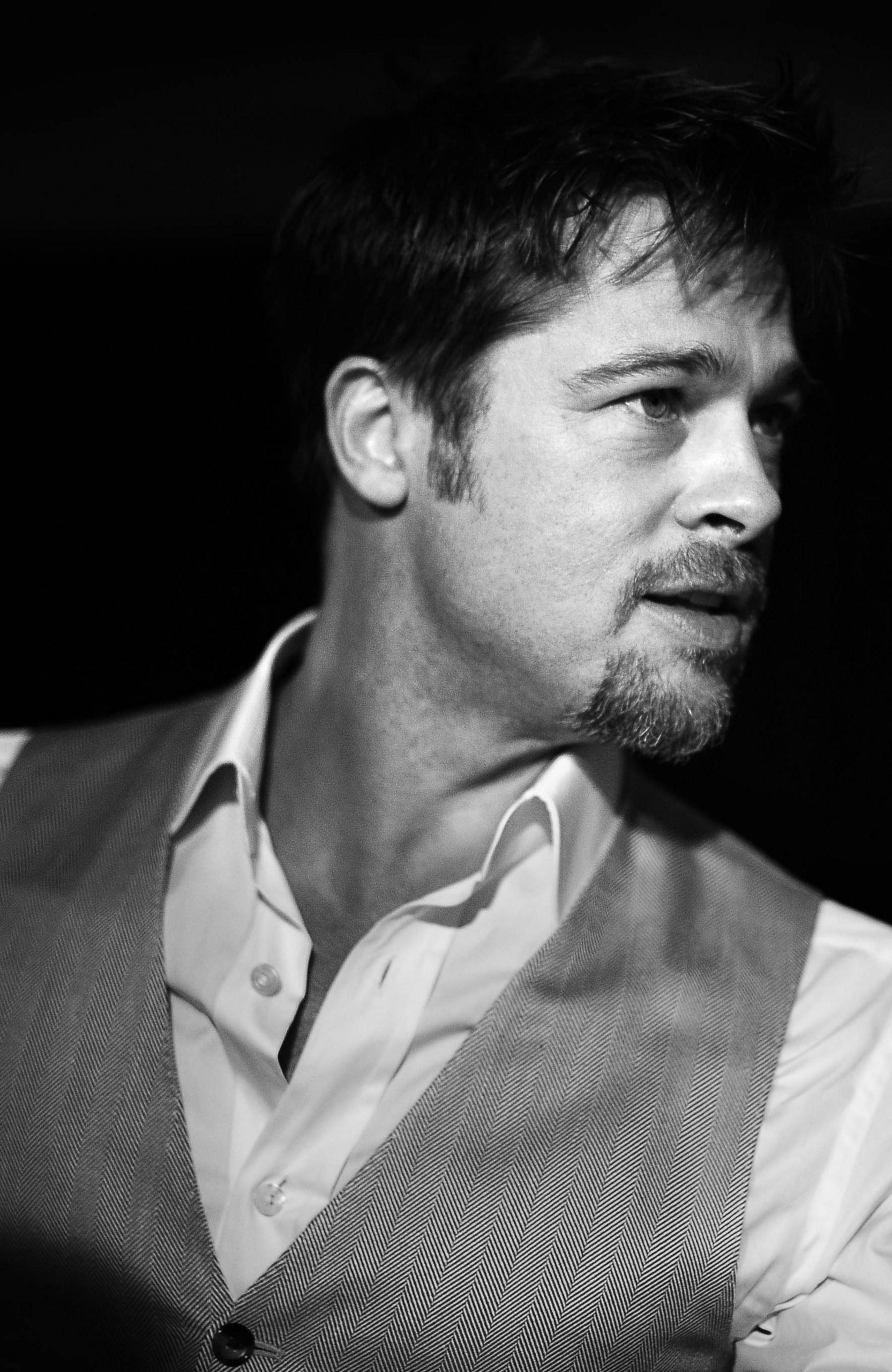 Brad Pitt - Brad Pitt Photo (3308481) - Fanpop Brad Pitt News