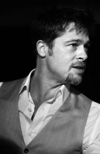 Brad Pitt wallpaper containing a business suit, a suit, and a three piece suit entitled Brad Pitt