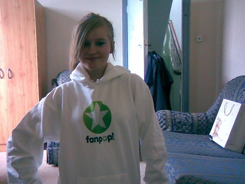 Claire's fanpop hoodie!