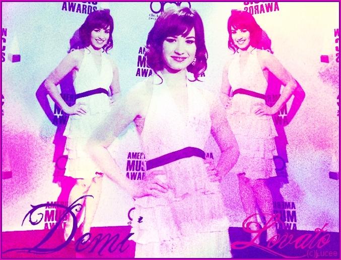 تصاميم لديمي لوفاتو كووووووووووول Demi-Lovato-demi-lovato-3327704-677-516