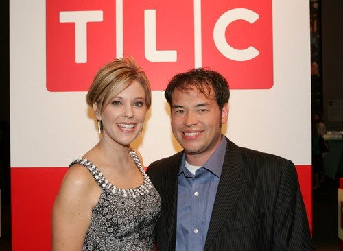 Jon & Kate Plus 8 wallpaper containing a business suit entitled Jon and Kate