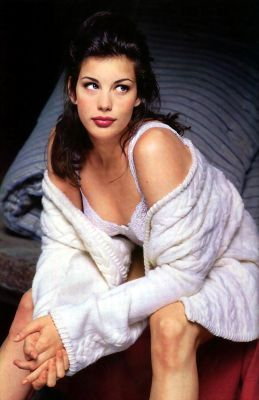 Liv Tyler achtergrond possibly containing a badjas and a blouse titled Liv