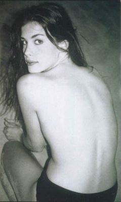 Liv Tyler achtergrond with skin titled Liv