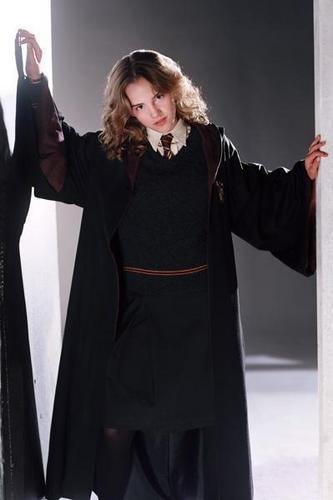 Hermione Granger wallpaper possibly with a cloak and a surcoat titled Prisoner of Azkaban