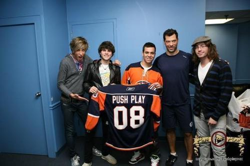 Push Play @ the Islanders Game