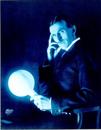 Nikola Tesla wallpaper entitled Tesla Wireless Lightbulb