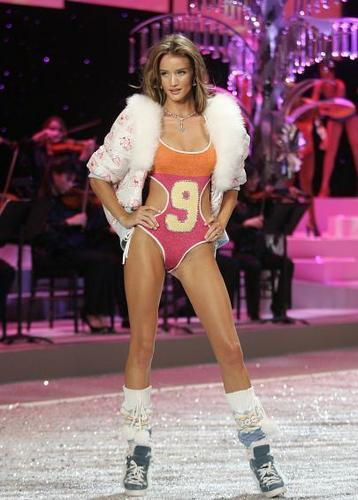 Victoria's Secret fashion Zeigen 2008