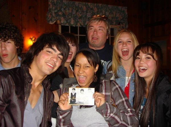 http://images2.fanpop.com/images/photos/3300000/camp-rock-behind-the-scenes-camp-rock-3378457-600-449.jpg