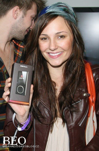 http://images2.fanpop.com/images/photos/3400000/Briana-at-style-lounge-briana-evigan-3468074-395-600.jpg