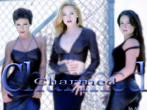 Charmed kertas-kertas dinding